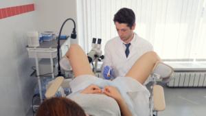 Мужской врач по гинекологии как называется