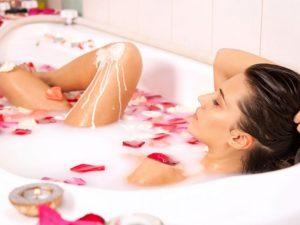Можно ли принимать ванну при месячных